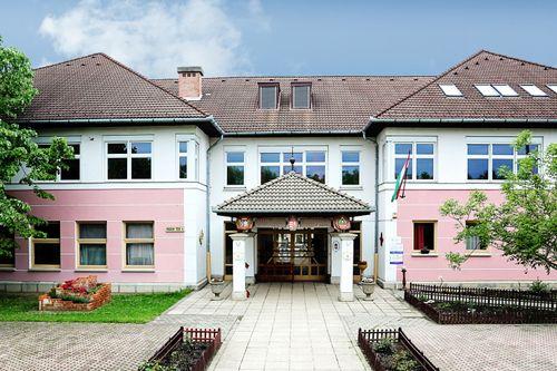Borító kép a Győri SZC Gábor László Építő- és Faipari Szakképző Iskola intézményről