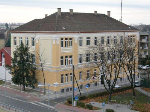 Borító kép a Győri SZC Deák Ferenc Közgazdasági Technikum intézményről