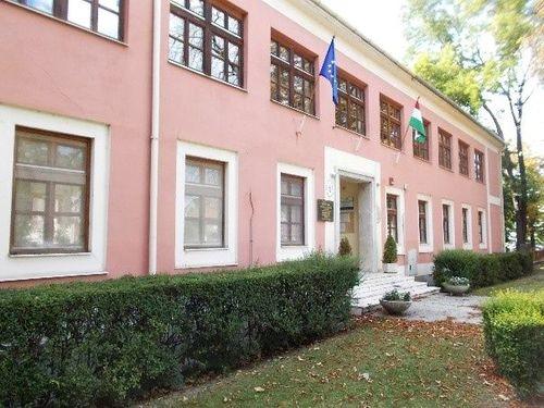 Borító kép a Győri SZC Haller János Általános Iskola intézményről